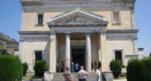Chiesa cimitero di Pozzuoli
