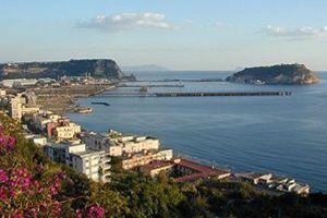 Pozzuoli e Bagnoli panorama