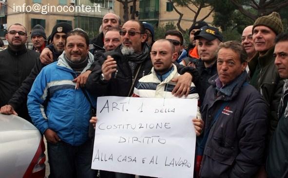 Crisi occupazione, il sindaco si difende dagli attacchi dei disoccupati