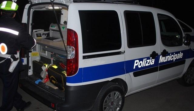POZZUOLI/ Ronde della Municipale nei rioni nel week end, 60 denunce penali elevate