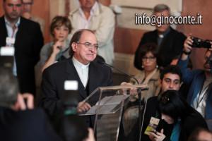 Il vescovo di Pozzuoli Gennaro Pascarella