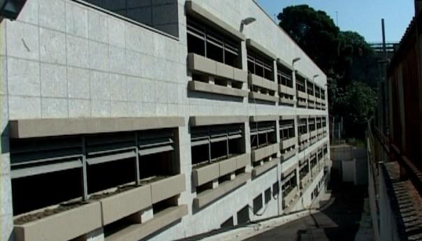 Parcheggio multipiano, rimarrà aperto fino alle 24 e nei fine settimana fino alle 2 di notte