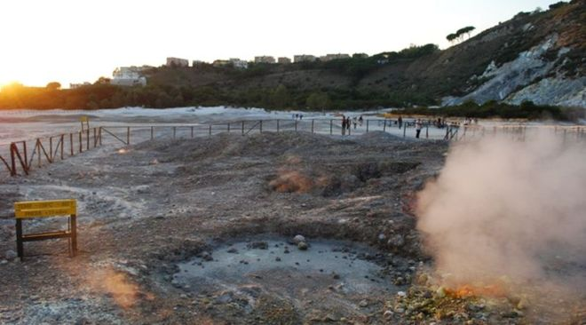 Campi Flegrei, lieve sollevamento del suolo da gennaio rilevato dall'INGV