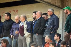 Il presidente Franco Di Marino con il vice-presidente Franco Cassese tra i tifosi granata