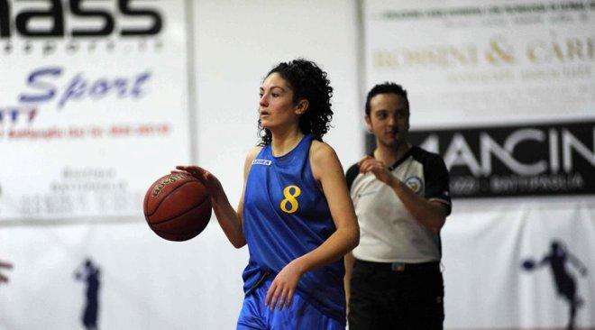 Basket| Flavio non basta una super Zonda: le puteolane sconfitte a Salerno. Virtus Monte di Procida, harakiri in casa col Casavatore!