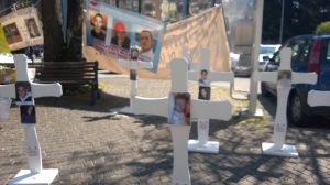 Protesta famiglie vittime Monteforte 6