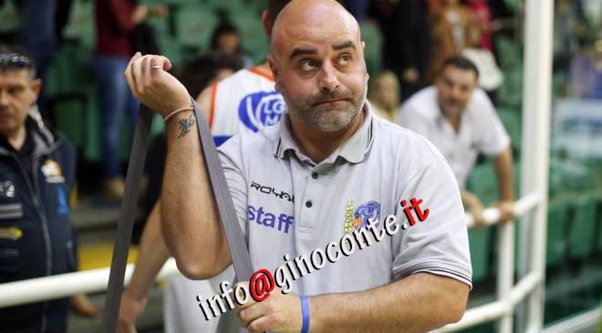 BASKET/ La Virtus Bava Pozzuoli esonera coach Mauro Serpico