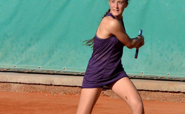 Tennis, Federica Sacco premiata dall'assessore alla sport di Napoli Ciro Borriello