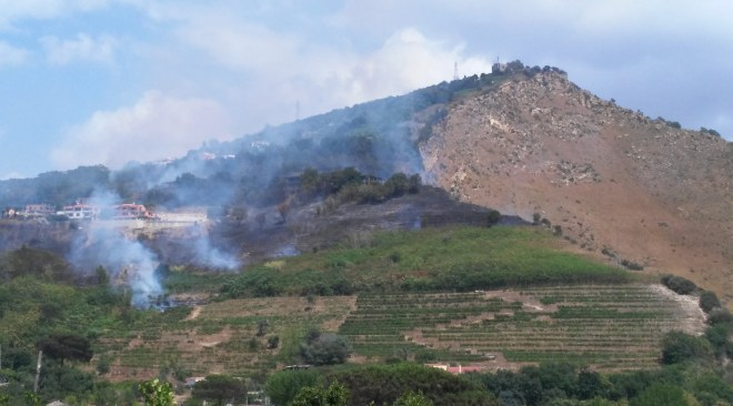 In fiamme Monte Sant'Angelo