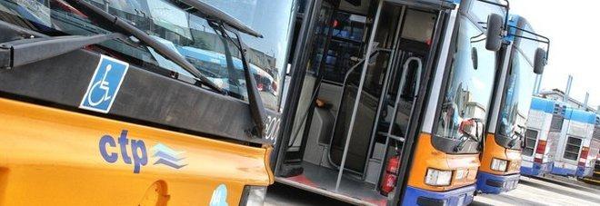"""POZZUOLI/ Cisl: """"Ctp non ha pagato ancora i dipendenti, solo 8 bus per strada"""""""