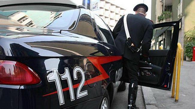 Quarto, ladro d'auto sorpreso aggredisce il proprietario col cacciavite: arrestato