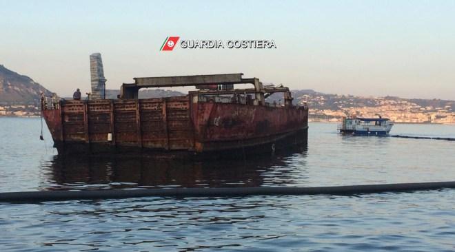 Baia, dopo 33 anni il relitto della Sassari I° rimosso dalla rada|Gallery