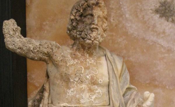 """""""Zeus in trono"""", sabato la mostra al Castello di Baia"""