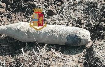 Giugliano, ordigno bellico ritrovato da un contadino fatto brillare degli artificieri