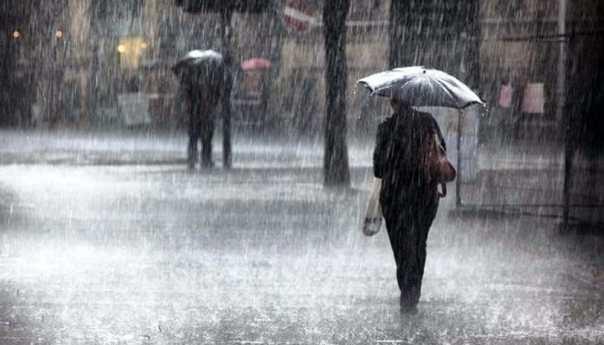 Quarto e Bacoli, allerta meteo: sindaco e commissario chiudono le scuole domani