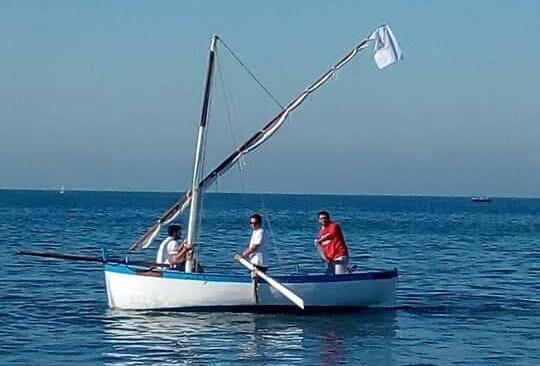 Bacoli, gozzo a vela latina, successo per il varo del S.Michele Arcangelo