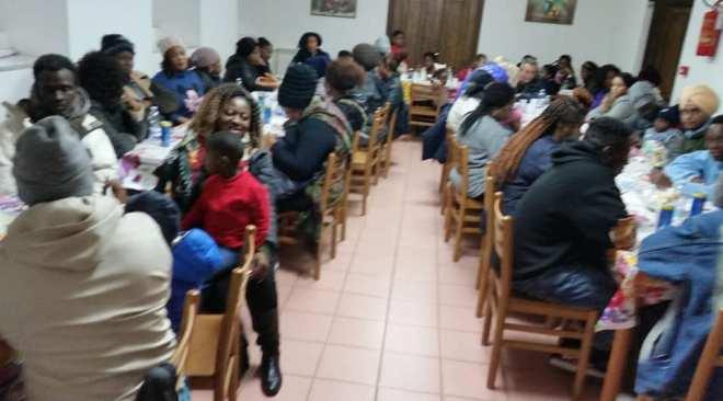 POZZUOLI/ Pranzo di Natale per le famiglie d'immigrati al Centro San Marco