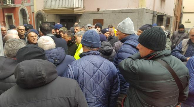 """POZZUOLI/ Protesta Lsu, i 5 Stelle: """"Abbiamo informato il ministro Di Maio, ma cosa vuole fare Figliolia?"""""""