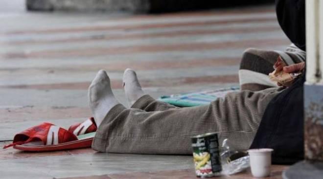 POZZUOLI/ Pasti caldi dell'istituto Petronio per i clochard e più bisognosi