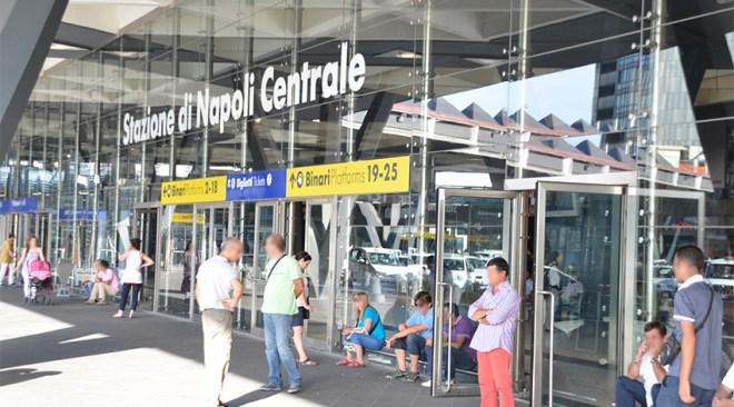 POZZUOLI/ Tredicenne fugge da casa, trovato alla Stazione Centrale di Napoli