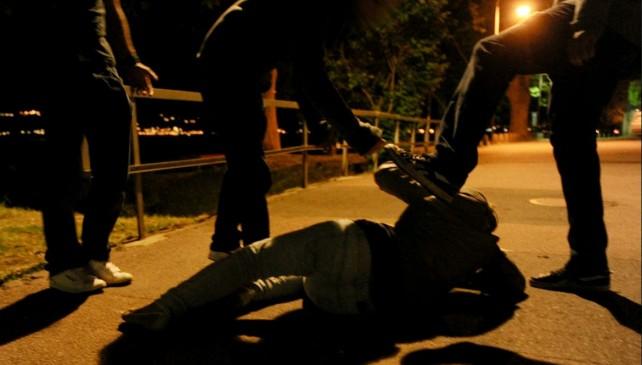 """LAGO PATRIA/ Il padre del ragazzo aggredito: """"Mio figlio vivo per miracolo, evitata una tragedia"""""""