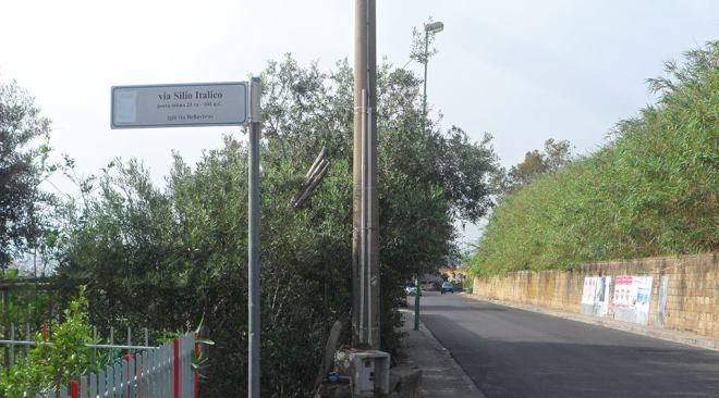BACOLI/ Ladri scaltri, furto d'auto in via Bellavista tra la gente