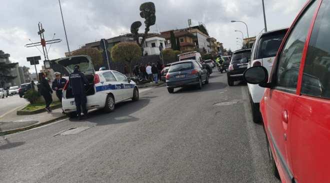 QUARTO/ Pauroso incidente al Corso Italia, ragazzo trasportato all'ospedale di Pozzuoli