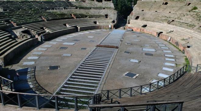 """POZZUOLI/ """"Una giornata all'Anfiteatro Flavio"""", domenica visite guidate in russo e italiano con ingresso gratuito"""