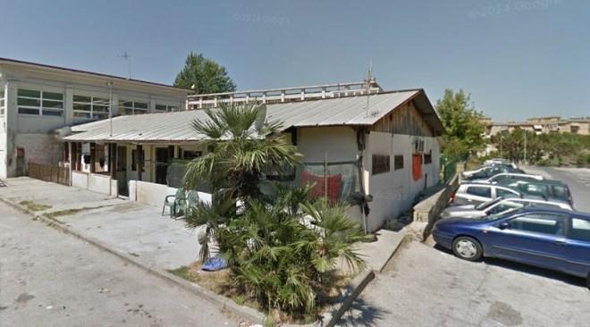 POZZUOLI/ Container pericolanti in via Seneca, il Comune ordina lo sgombero di 3 famiglie