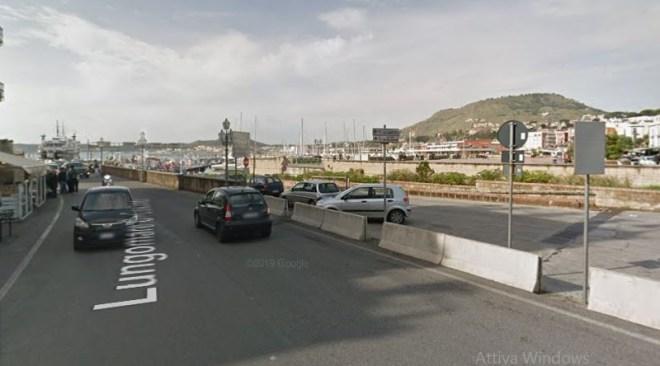 POZZUOLI/ Chiuso bar sul porto per 5 giorni per occupazione abusiva di suolo pubblico