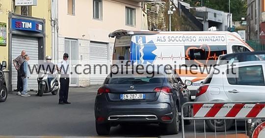 MONTE DI PROCIDA/ Dramma al Corso Garibaldi, 70enne si accascia a terra e muore mentre fa jogging