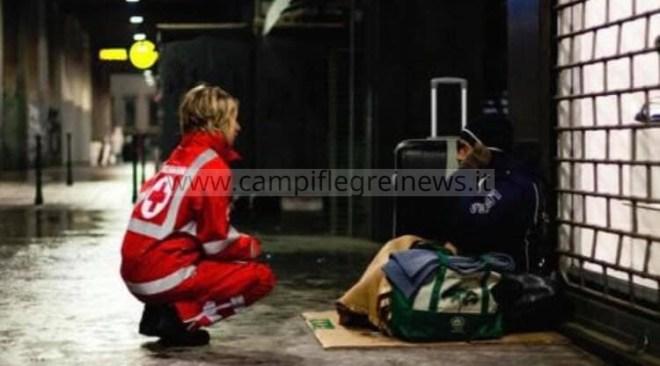 POZZUOLI/ La Croce Rossa chiede aiuto a locali e negozi per la donazione di bottiglie d'acqua