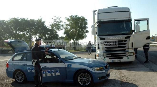 POZZUOLI/ Manomesso il cronotachigrafo di un tir: denunciato autista e titolare di una ditta