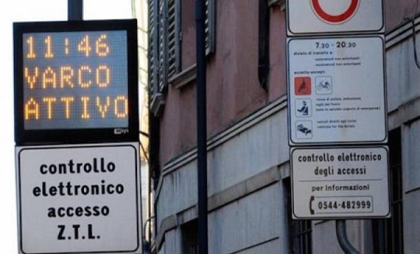 ZTL: da oggi varchi attivi a Napoli