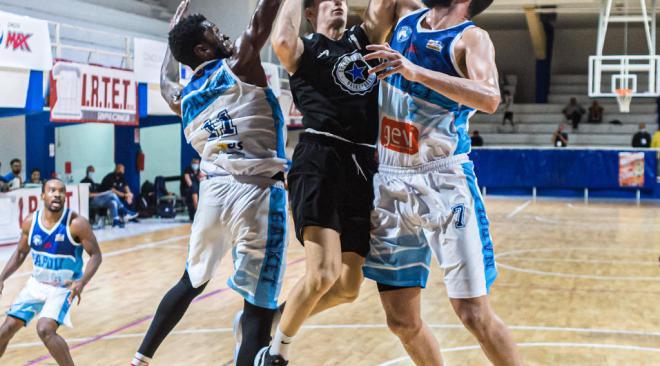 Basket, tre atleti della Gevi Napoli positivi al covid