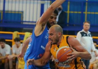 Basket| La Virtus Pozzuoli perde per un soffio gara cinque contro Monopoli.  La finale play out sarà contro la Scandone Avellino