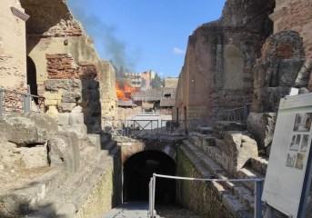 Il fuoco all'Anfiteatro Flavio: il racconto di una turista