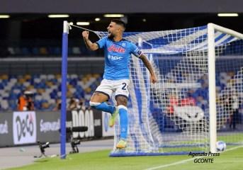 Il Napoli batte il Cagliari e rimane ben saldo alla testa della serie A