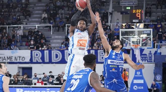 """Basket  Gevi Napoli sconfitta dalla Germani Brescia. Sacripanti: """"Commessi stessi errori della partita con Reggio"""""""