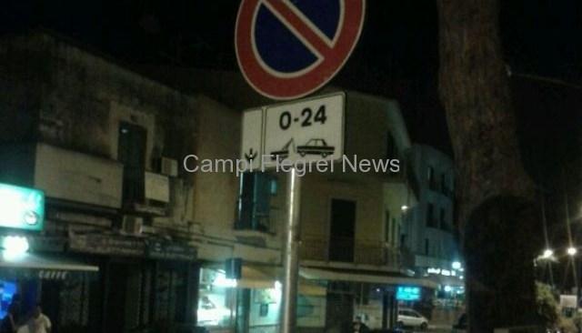 Commercianti in rivolta ad Arco Felice per i divieti di sosta installati a sorpresa in serata