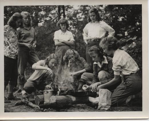 1950s-outdoor-cooking