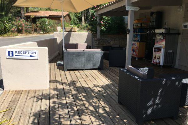 mobilier-accueil-camping-pezenas-3