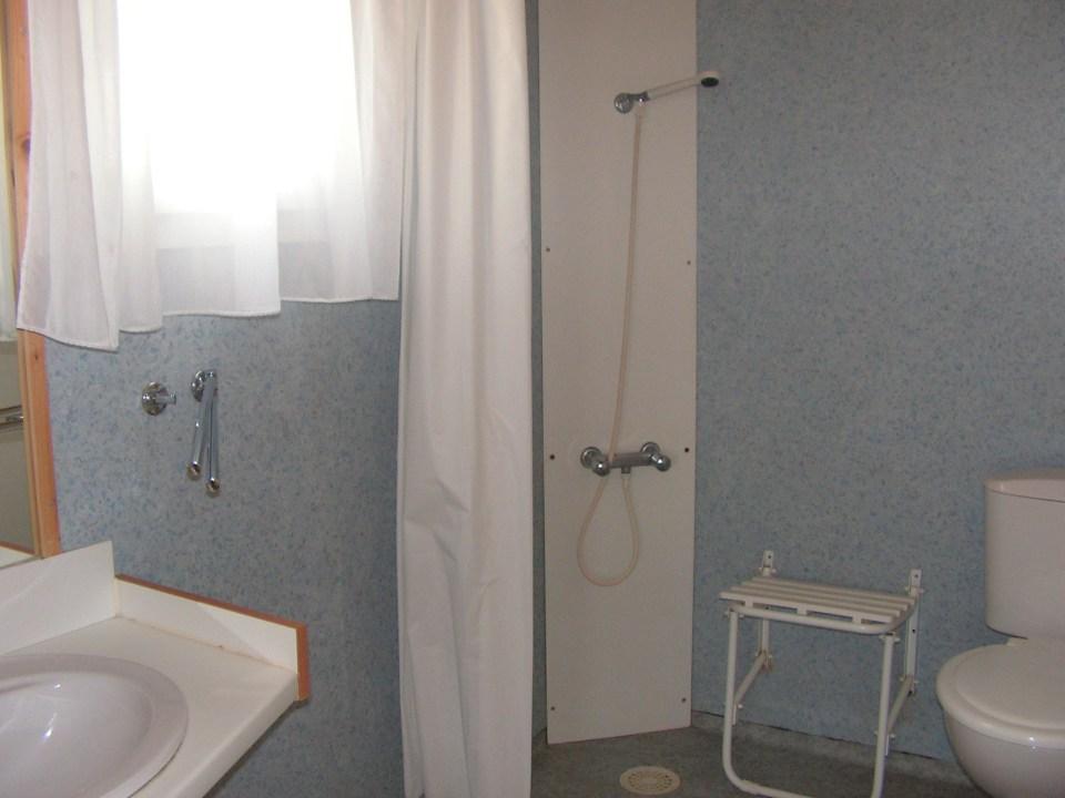 Camping du Lac de Bournazel, Seilhac, Corrèze | Hébergement en chalet 3 à 5 personnes adapté pour personnes à mobilité réduite, Parfait pour sejour en famille