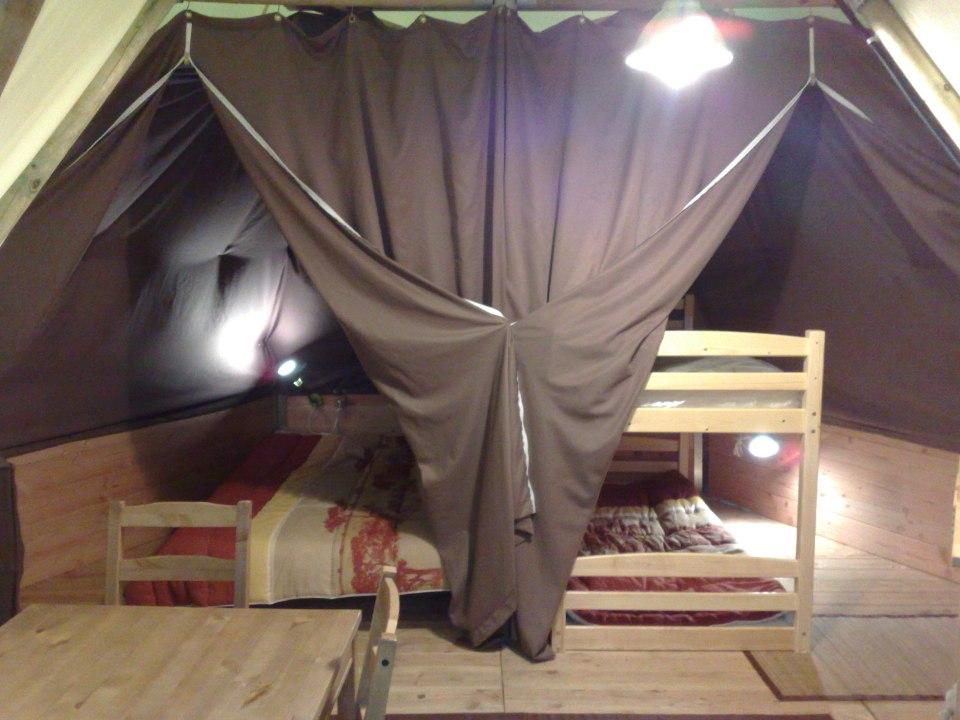 Camping du Lac de Bournazel, Seilhac, Corrèze | Hébergement ludique en tipi 4 personnes, Parfait pour le Glamping