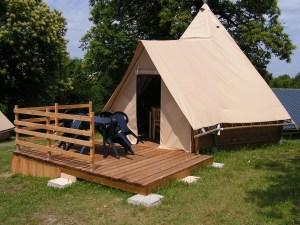 Camping du Lac de Bournazel, Seilhac, Corrèze   Hébergement ludique en tipi 4 personnes, Parfait pour le Glamping