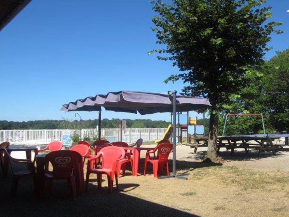 Camping du Lac de Bournazel, Seilhac, Corrèze   Restauration terroir. Parfait pour sejour en famille