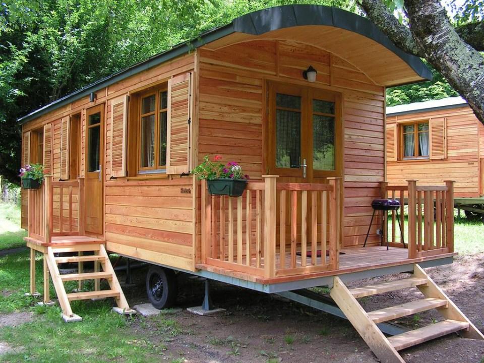 Camping du Lac de Bournazel, Seilhac, Corrèze   Hébergement en roulottes 2 à 4 personnes, Parfait pour le Glamping