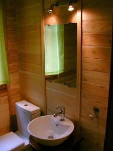 Camping du Lac de Bournazel, Seilhac, Corrèze | Hébergement en roulottes 2 à 4 personnes, Parfait pour le Glamping