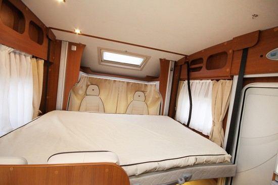 Bobilens senkesenger - kan også lage seng ved sittegruppen under senkesengen.