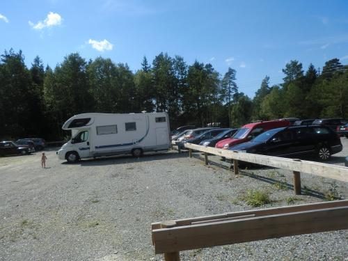 Parkeringsplassen ved Kålvika.